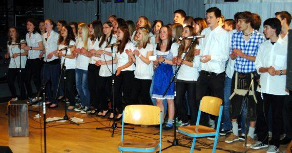 Chor der Abiturienten 2013 unter Ltg. von Gerd Clauss